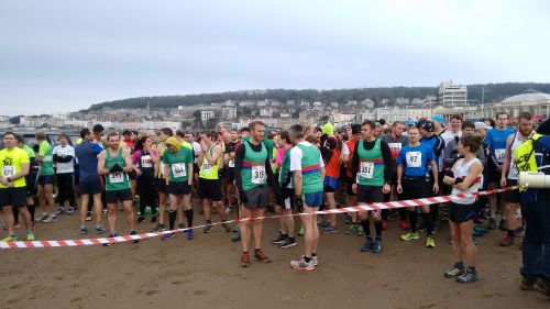 Over 1000 runners gathering for the start